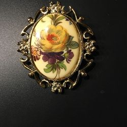 Antique Brooch for Sale in Glocester,  RI