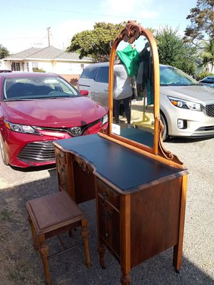 Antique Dresser with Mirror for Sale in Downey, CA