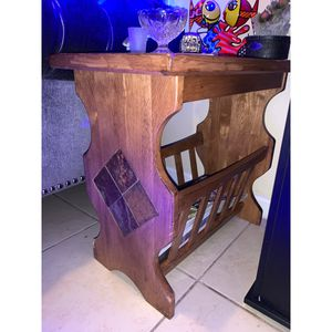 Magazine Rack End Table for Sale in Pembroke Pines, FL