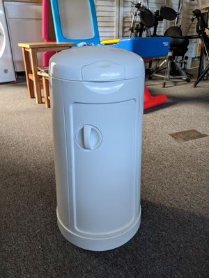 Diaper trash can for Sale in San Diego, CA
