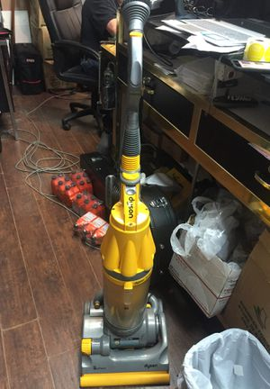 Dyson Cyclone DC07 All Floors Bagless Vacuum for Sale in Sicklerville, NJ