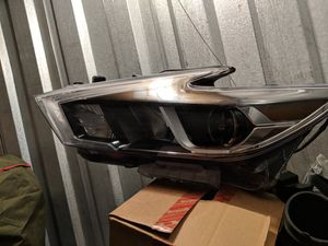 2016 nissan altima LED headlight (driver side) for Sale in Germantown, MD