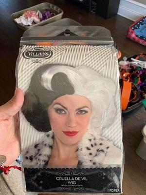 Cruella de vil wig for Sale in Chicago, IL