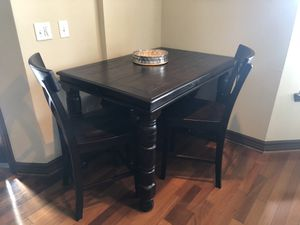 Ashley Furniture Counter Height Dining Room Table w/ 2 stools and 1 bench for Sale in Dallas, TX