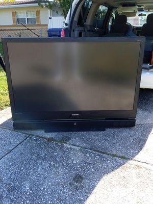 60inch Samsung TV with remote for Sale in Tampa, FL