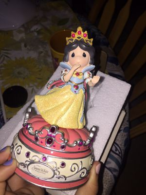Precious Moments Musical Snow White for Sale in Baldwin Park, CA