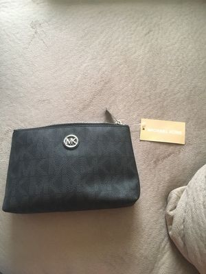 Michael Kors Clutch for Sale in Crofton, MD