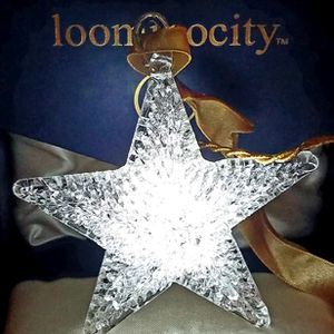 Woven Glass Lighted Star for Sale in St. Petersburg, FL