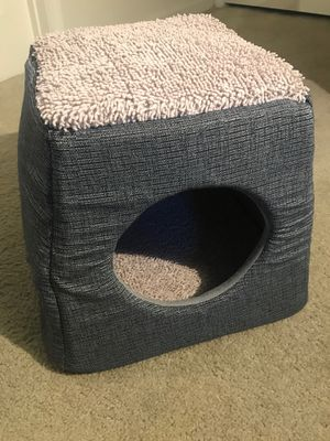 Dog/Cat house (NEVER USED) for Sale in Marietta, GA