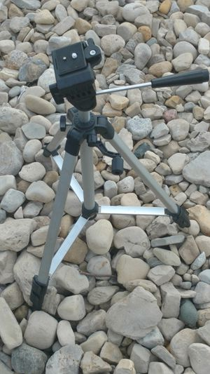 Lightweight aluminum tripod for cameras digital film and video for Sale in Columbus, OH