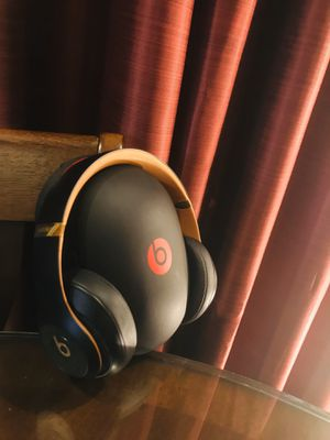 Beats Studio 3 Wireless Noise Cancelling Headphones Limited Edition Color for Sale in Naples, FL