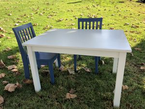 pottery barn kids table & chairs for Sale in Long Beach, CA