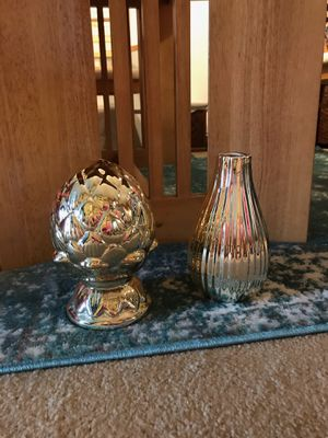 Gold Vase and Decorative Piece for Sale in Traverse City, MI
