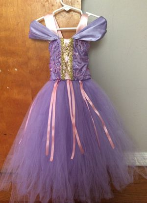 Rapunzel dress for Sale in Chicago, IL