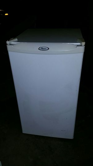 Whirlpool mini refrigerator with freezer for Sale in Riverside, CA
