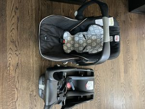 Britax infant car seat with base for Sale in Aurora, CO