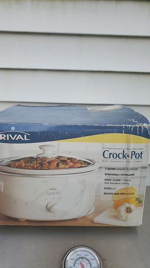 Rival 3 quart crock pot new in box Tinley park for Sale in Tinley Park, IL