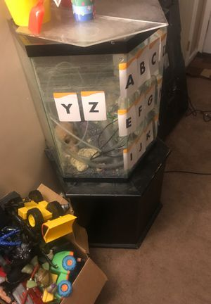 35 gal fish tank and stand for Sale in Detroit, MI