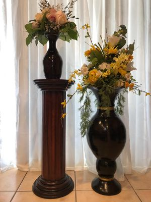 Elegant and fine clase vases ! Hand made for Sale in Fontana, CA