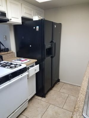 Free refrigerator for Sale in City of Industry, CA