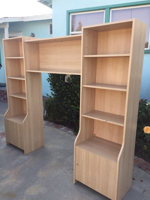 Bookshelves with center overhead cabinet for Sale in Los Angeles, CA