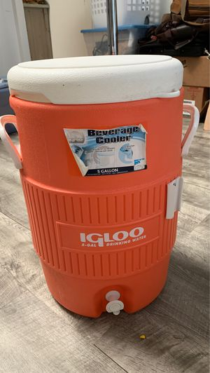 5 gallon igloo cooler for Sale in Hilo, HI