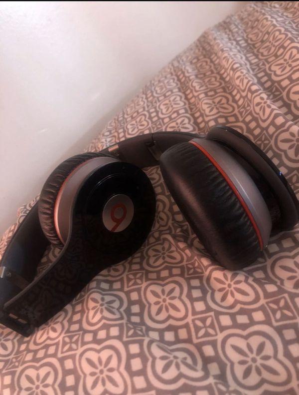 Beats by dre Bluetooth headphones