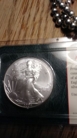 2004 uncirculated American Silver Eagle for Sale in Broomall, PA