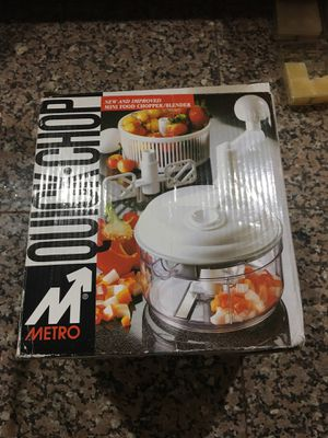 "Metro Quick Chop Manual Mini Food Processor Blender Chopper 6"" Round for Sale in Las Vegas, NV"