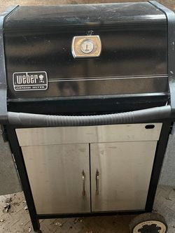 Weber Genesis Silver Gas Grill for Sale in Purcellville,  VA