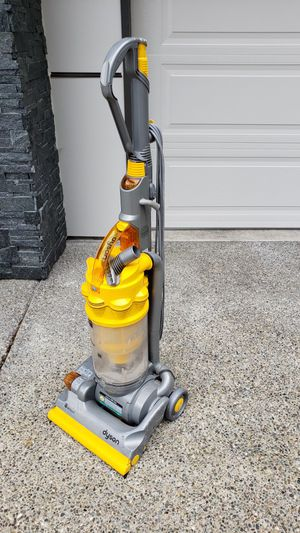 Dyson DC 14 Bagless Vacuum for Sale in Steilacoom, WA