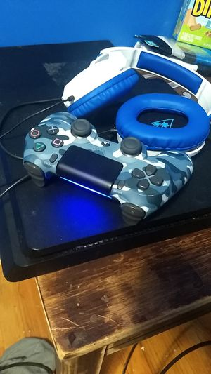 PS4 slim with blue camo controller and turtle Beach headset. Comes with MLB The Show 19 for Sale in Sterling Heights, MI
