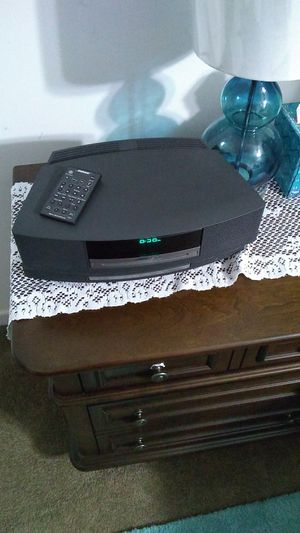 Bose CD radio player with remote for Sale in Wakefield, VA