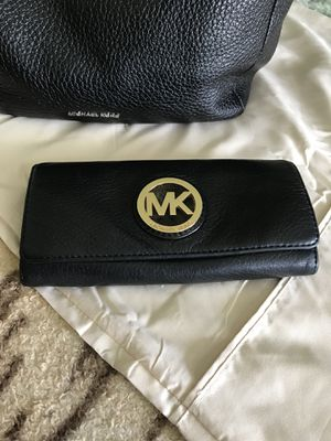 Original Michael Kors leather handbag and wallet for Sale in Falmouth, VA