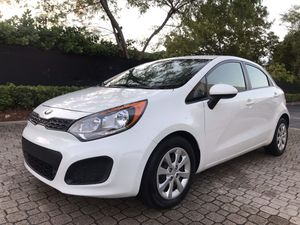 Kia Río 2014 for Sale in Hialeah, FL