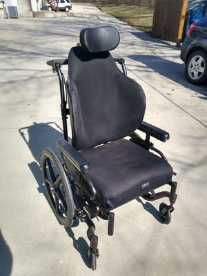 Exclusive wheelchair w/features for Sale in O'Fallon, MO