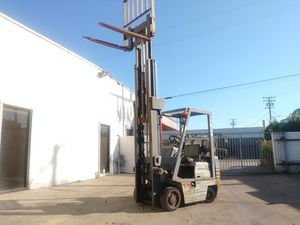 "FORKLIFT""KOMATSU"" (3) STAGES 4000-LP $2,790!!!! RUNS. GREAT 100% ISSUE FREE!!! WHOLESALE $2.790!!! for Sale in Santa Fe Springs, CA"