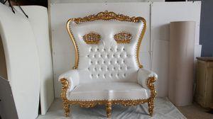 Crowned Throne Sofa for Sale in Alpharetta, GA