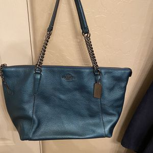 Coach Tote. Used twice for Sale in Fort McDowell, AZ