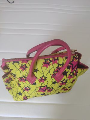 African print heels size 9 and matching hand bag for Sale in MONTGOMRY VLG, MD