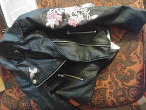 Small leather for girl for Sale in Des Moines, IA
