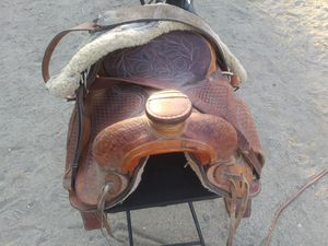 Leather horse saddle for Sale in Pinon Hills, CA