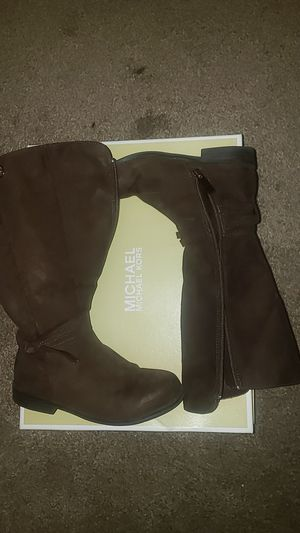 Girls Michael Kors boots size 1 for Sale in Chesapeake, VA