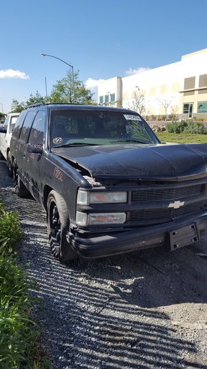 98 TAHOE FOR PARTS for Sale in Chula Vista, CA