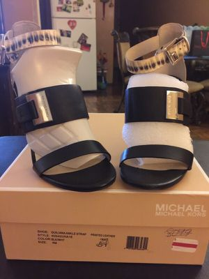 Michael Kors size 6 for Sale in Bronx, NY