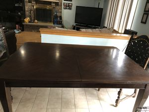 Kitchen table for Sale in Mount Prospect, IL