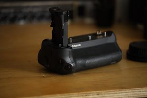 Canon EOS R Battery Grip BG-E22 for Sale in Fullerton, CA