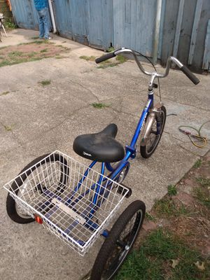 Tricycle bike 20 inches for Sale in Bridgeport, CT