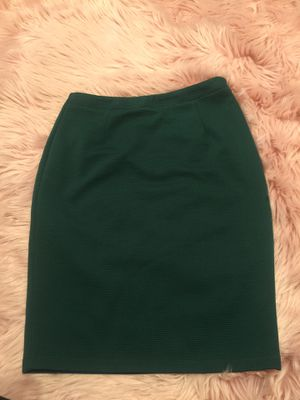 Medium Skirt for Sale in Fort Worth, TX