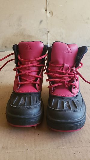 Kids Nike snow boots for Sale in Riverside, CA